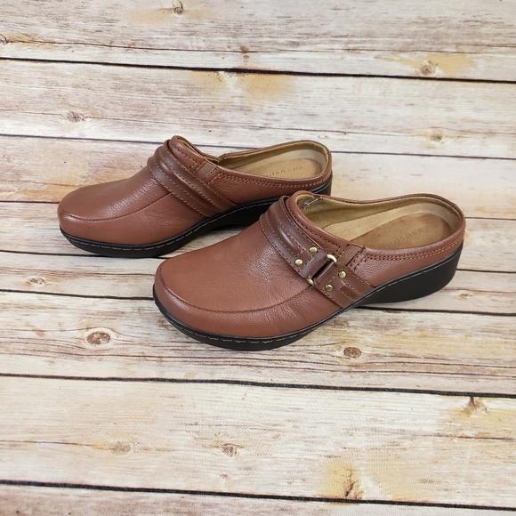 0eba080de875f9 Easy Spirit Shoes   Womens Mules Clogs Size 65   Poshmark